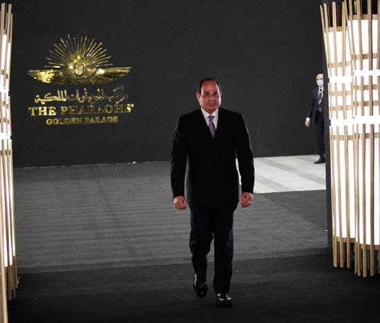 الرئيس-السيسي-بمتحف-الحضارة-بالفسطاط-(16)