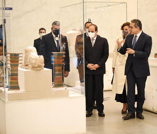 الرئيس-السيسي-بمتحف-الحضارة-بالفسطاط-(5)