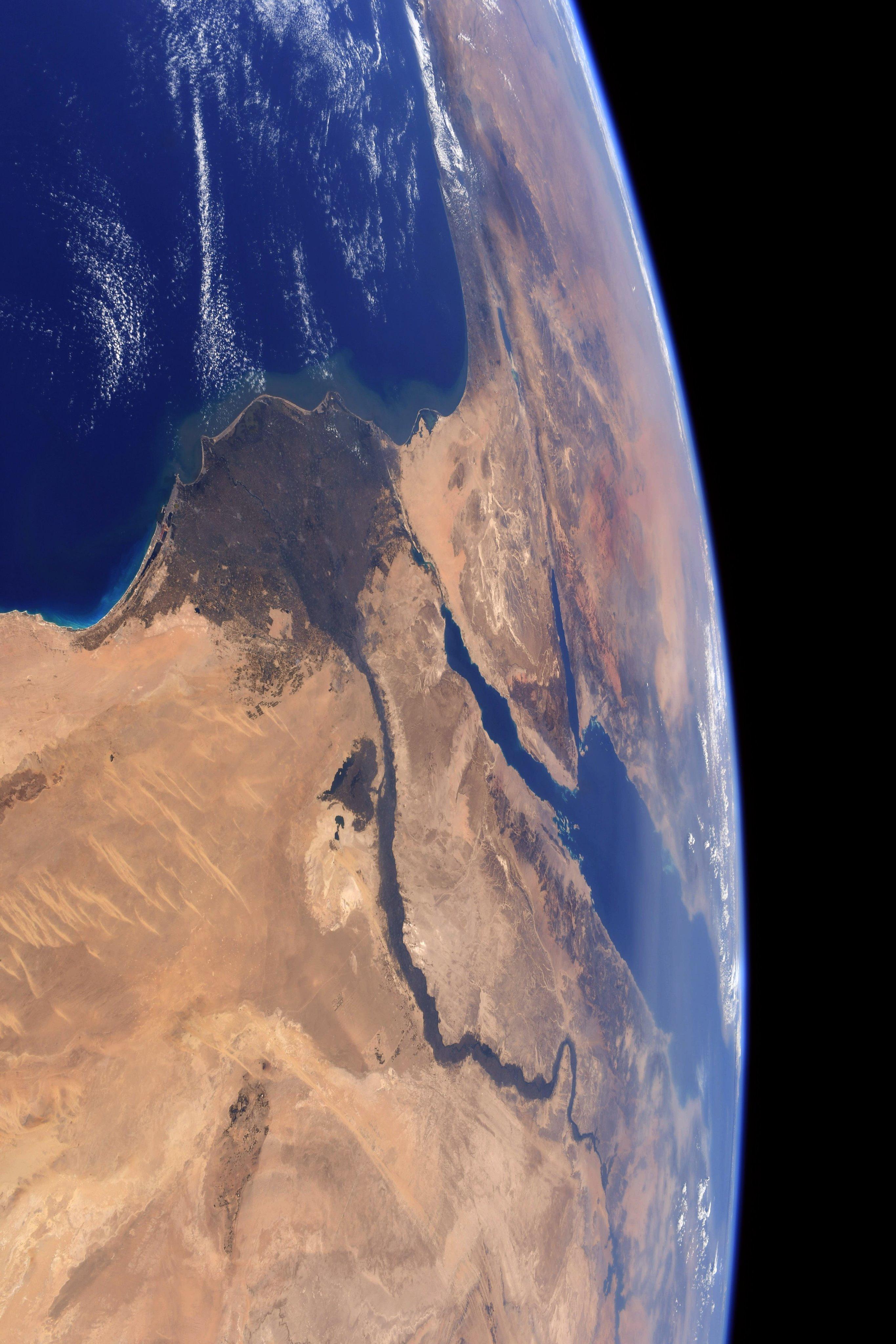 النيل والدلتا من الفضاء