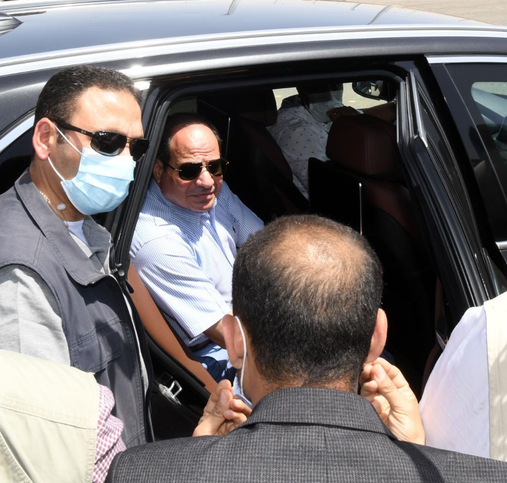 الرئيس السيسى يتفقد الطريق الأوسطي والمقر الجديد لسوق السيارات الجديد