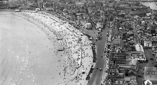 المتنزه والشاطئ ، ويموث ، 1932