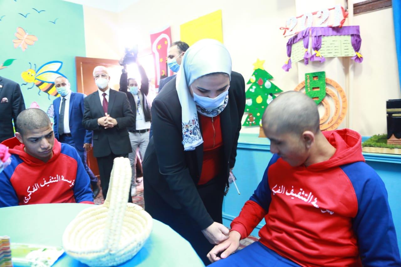 وزيرة التضامن مع الأطفال