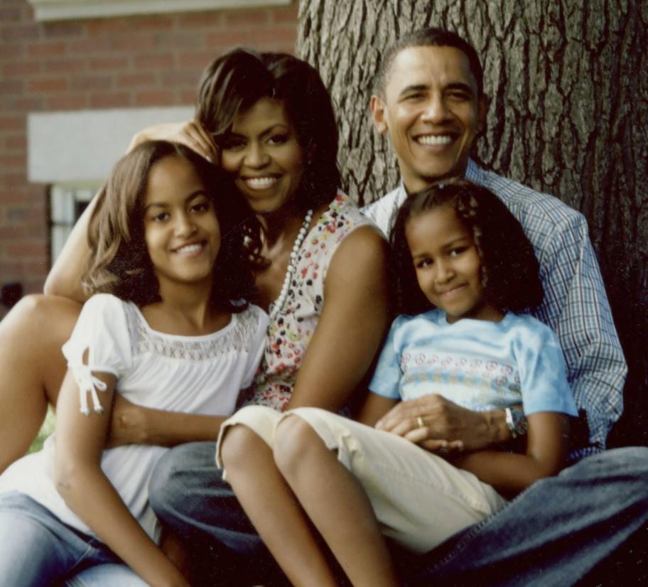 أوباما وأسرته