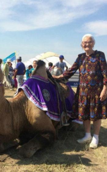 الجدة لينا (2)