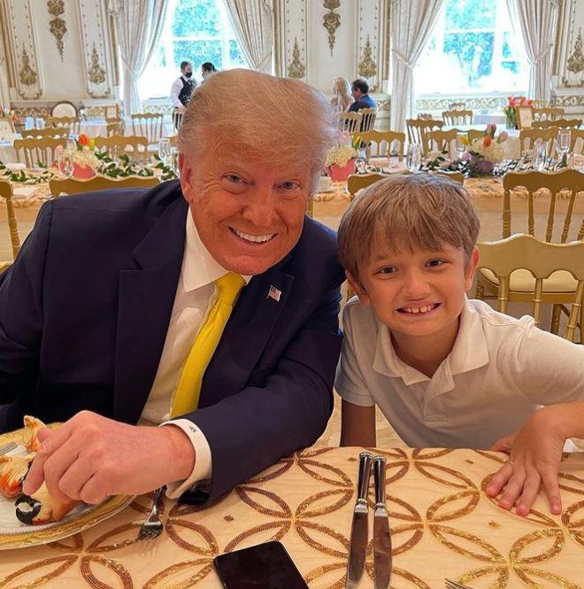 ترامب وحفيده