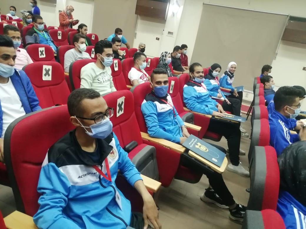 طلاب جامعة سوهاج