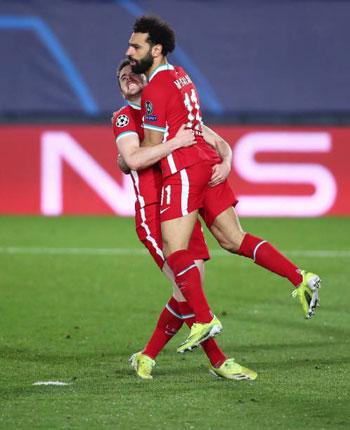محمد-صلاح-يحتفل-بالهدف-الاول