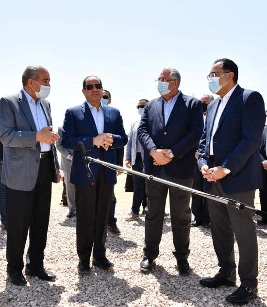 خلال-تفقد-الرئيس-السيسى-يتفقد-مستقبل-مصر
