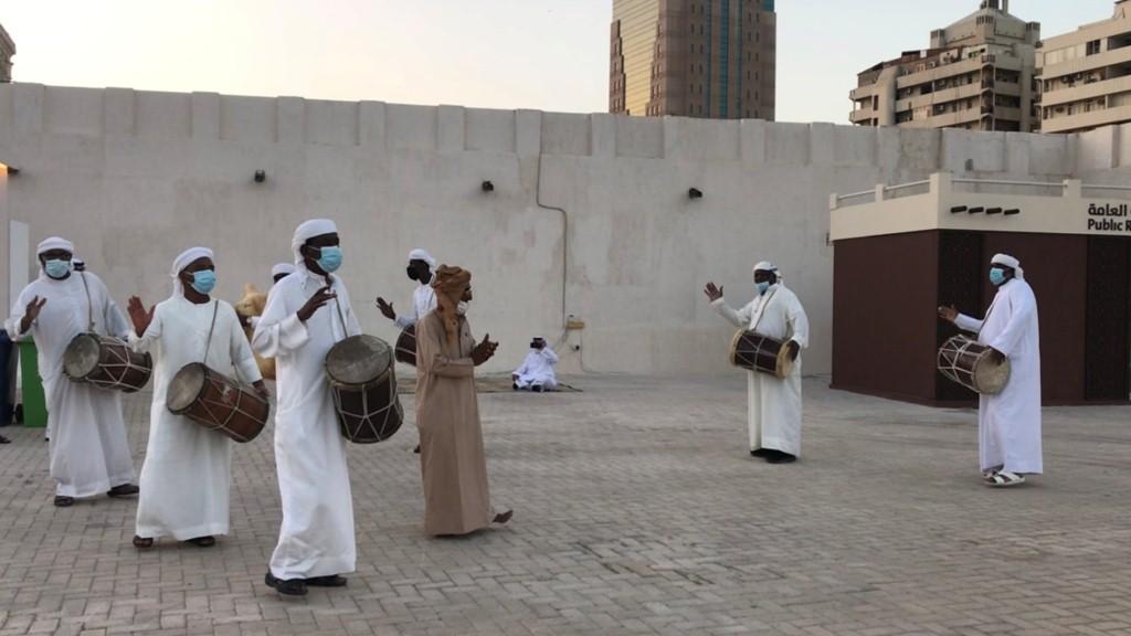 فنون شعبية اماراتية