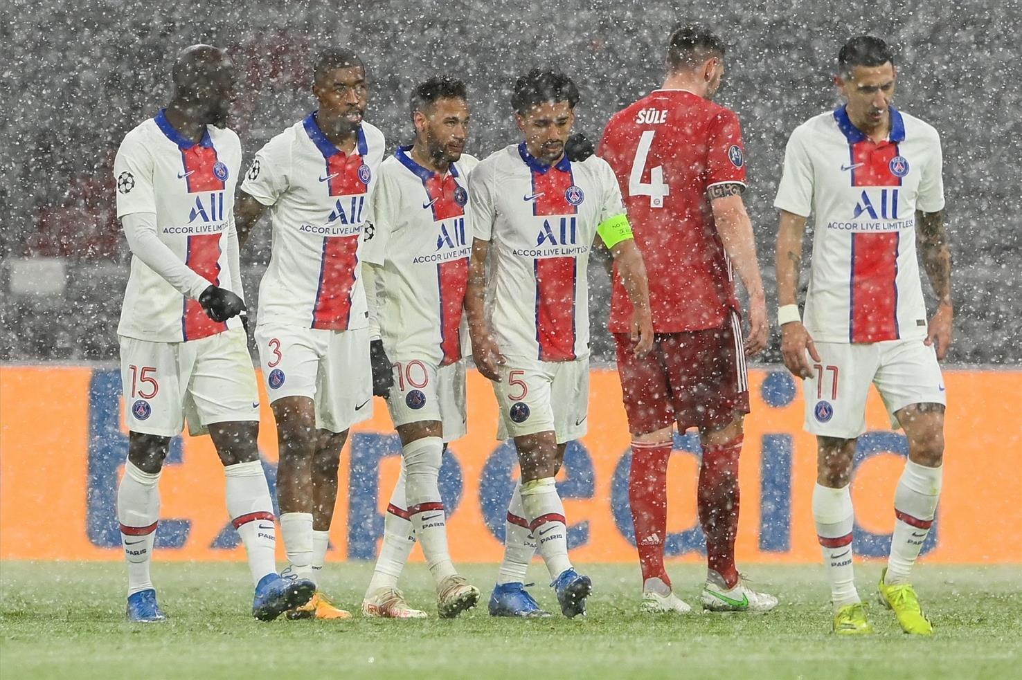 فرحة لاعبي باريس سان جيرمان بالهدف الثاني