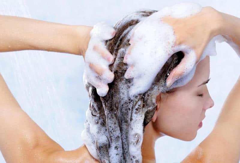 العناية بالشعر - طريقة غسل الشعر بالشامبو