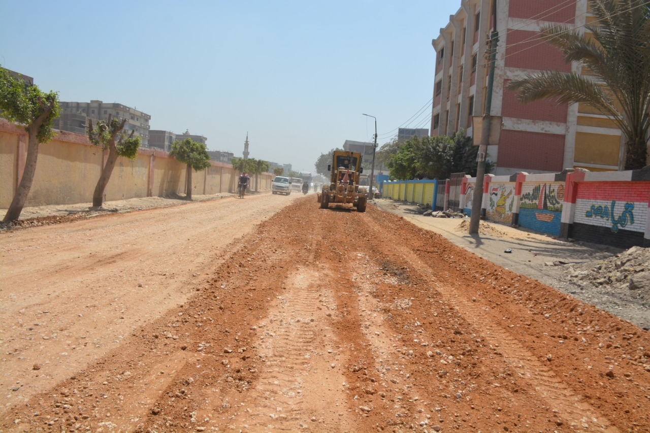 رصف الشوارع المؤدية للكورنيش