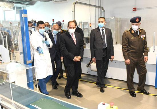 الرئيس السيسى يشهد افتتاح مجمع إصدار الوثائق المؤمنة والذكية بالعاصمة الإدارية (2)