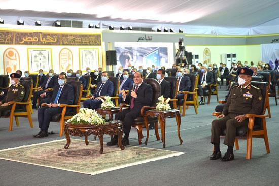 الرئيس السيسى يشهد افتتاح مجمع إصدار الوثائق المؤمنة والذكية بالعاصمة الإدارية (19)