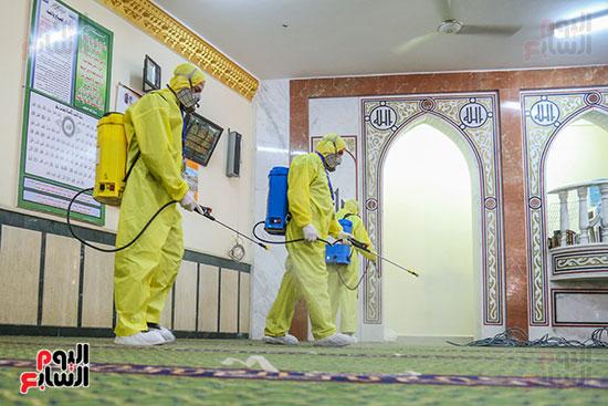 جانب من تعقيم مساجد الأسمرات استعدادا لشهر رمضان