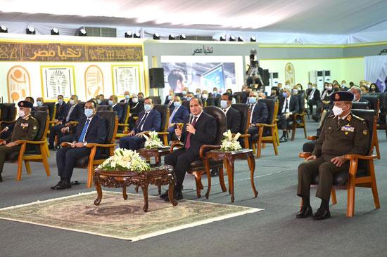 الرئيس السيسى يشهد افتتاح مجمع إصدار الوثائق المؤمنة والذكية بالعاصمة الإدارية (18)