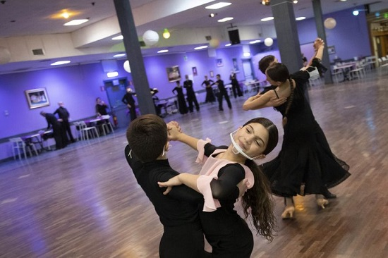 يستعد الراقصون للبطولات الإيطالية في ريميني في يوليو