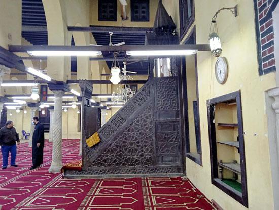 جانب من جهة المسجد والمنبر (2)