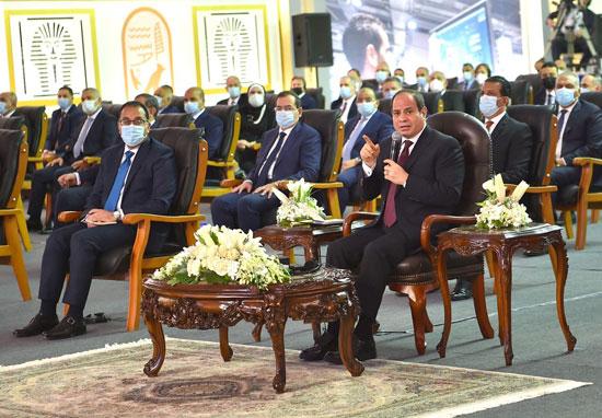 الرئيس السيسى يشهد افتتاح مجمع إصدار الوثائق المؤمنة والذكية بالعاصمة الإدارية (15)