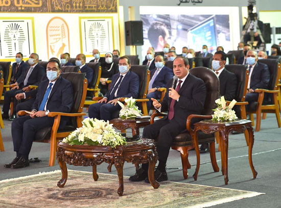 الرئيس السيسى يشهد افتتاح مجمع إصدار الوثائق المؤمنة والذكية بالعاصمة الإدارية (16)