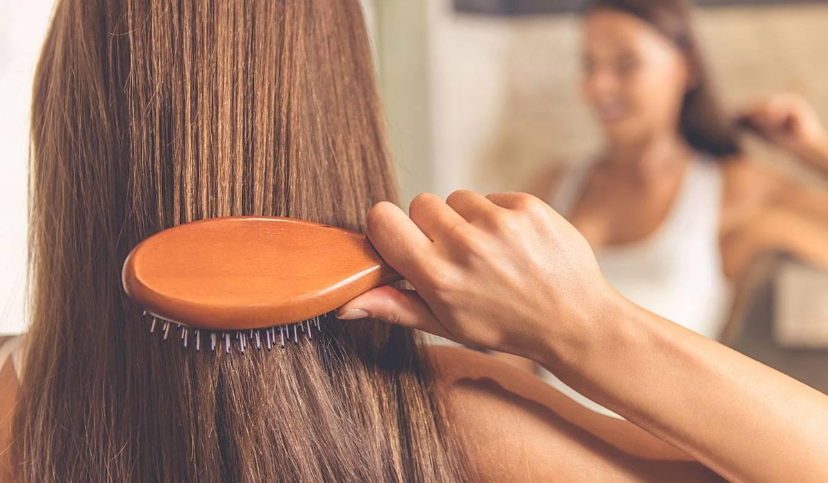 العناية بالشعر - تمشيط الشعر