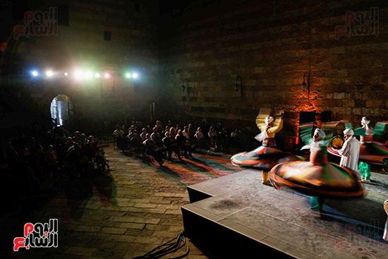 الراقصين على مسرح وكالة الغوري