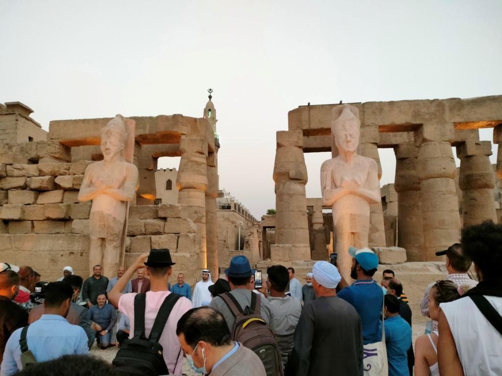 الفرعون رمسيس الثانى يحتفل بعودة تماثيله لواجهات معبده بعد آلاف السنين (13)