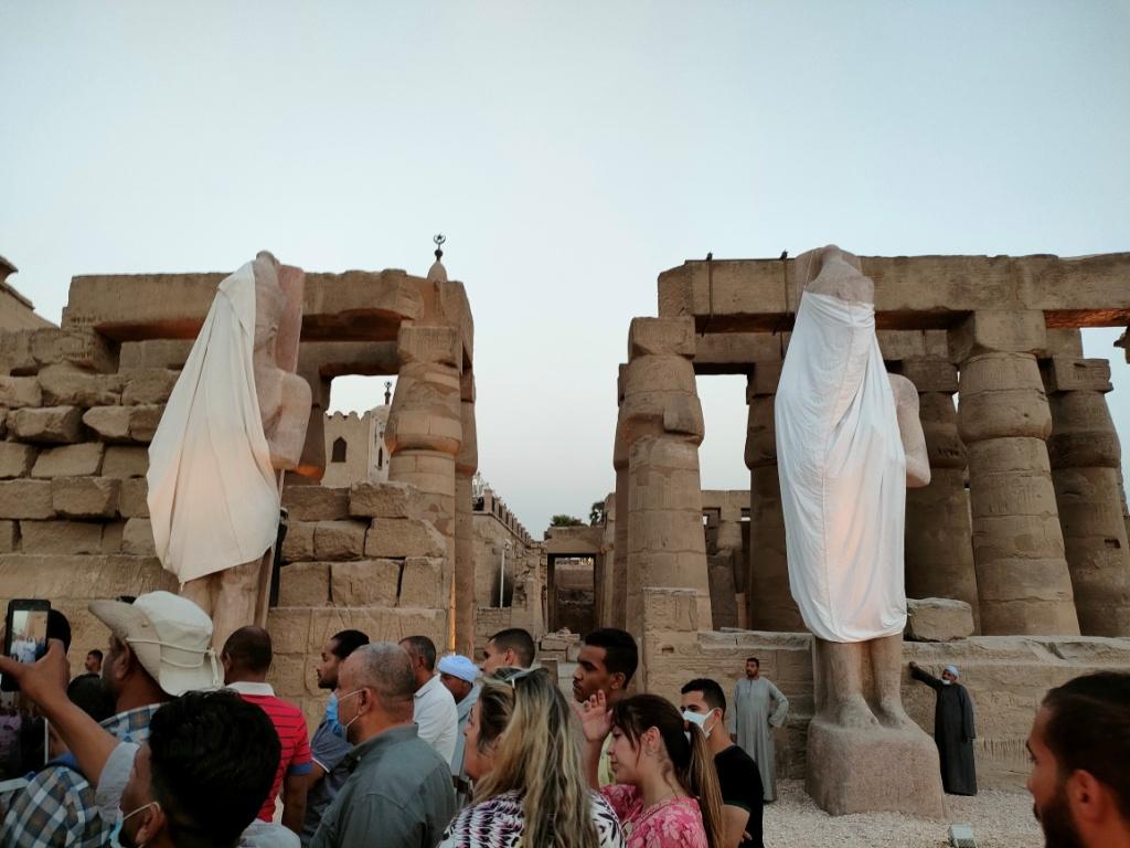 الفرعون رمسيس الثانى يحتفل بعودة تماثيله لواجهات معبده بعد آلاف السنين (10)