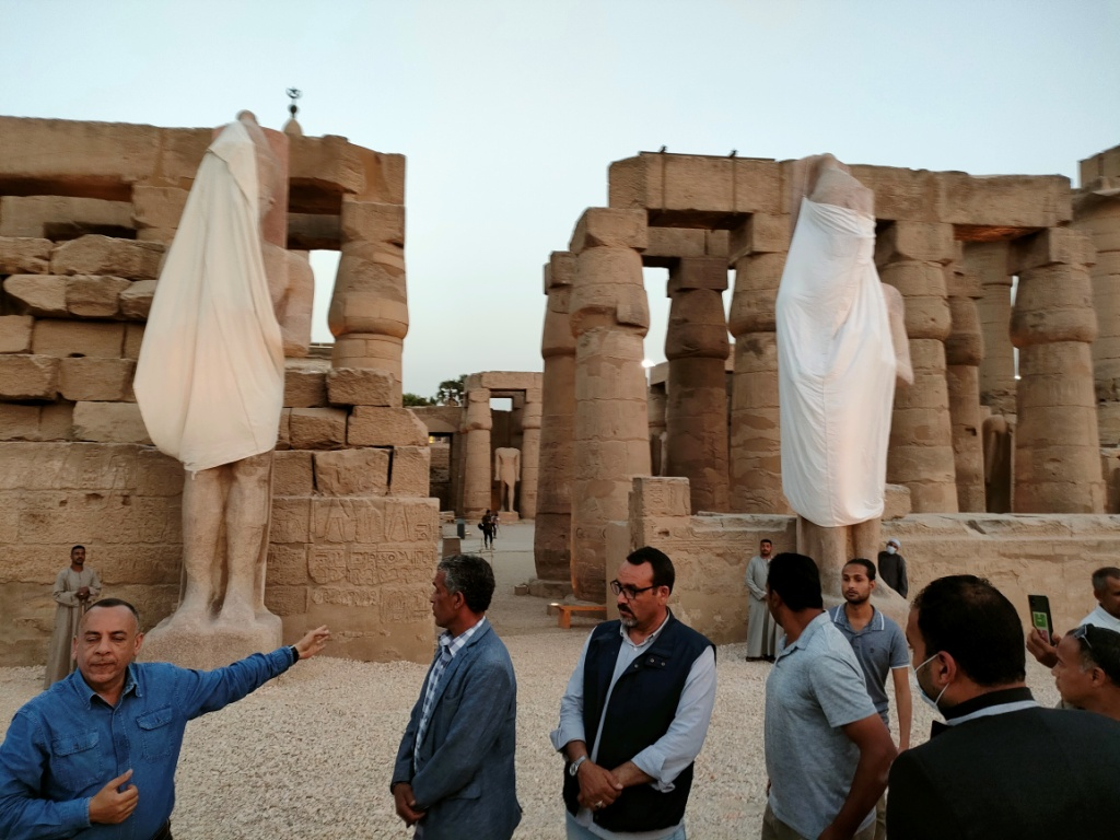 الفرعون رمسيس الثانى يحتفل بعودة تماثيله لواجهات معبده بعد آلاف السنين (8)