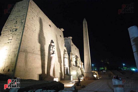 الواجهة النهائية لمعبد الأقصر بعد تركيب التماثيل