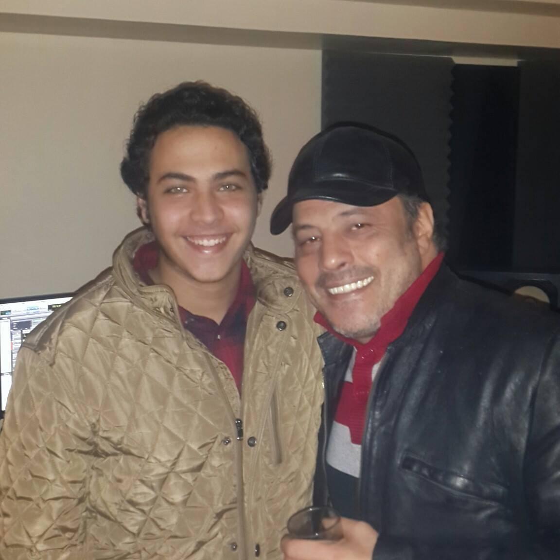 عمرو عبد الجليل وابنه