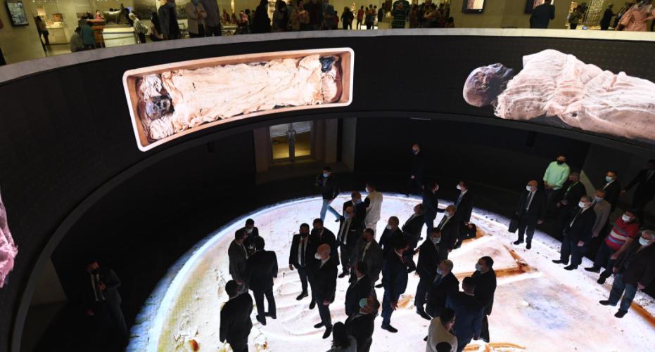 رئيس تونس في متحف الحضارة