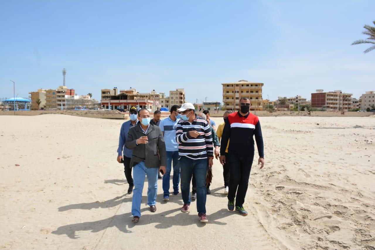 جولة سكرتير عام محافظة الدقهلية بشواطئ جمصة