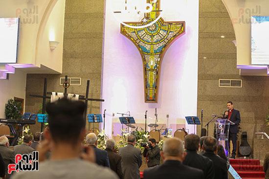 قداس عيد القيامة فى كنيسة مصر الجديدة