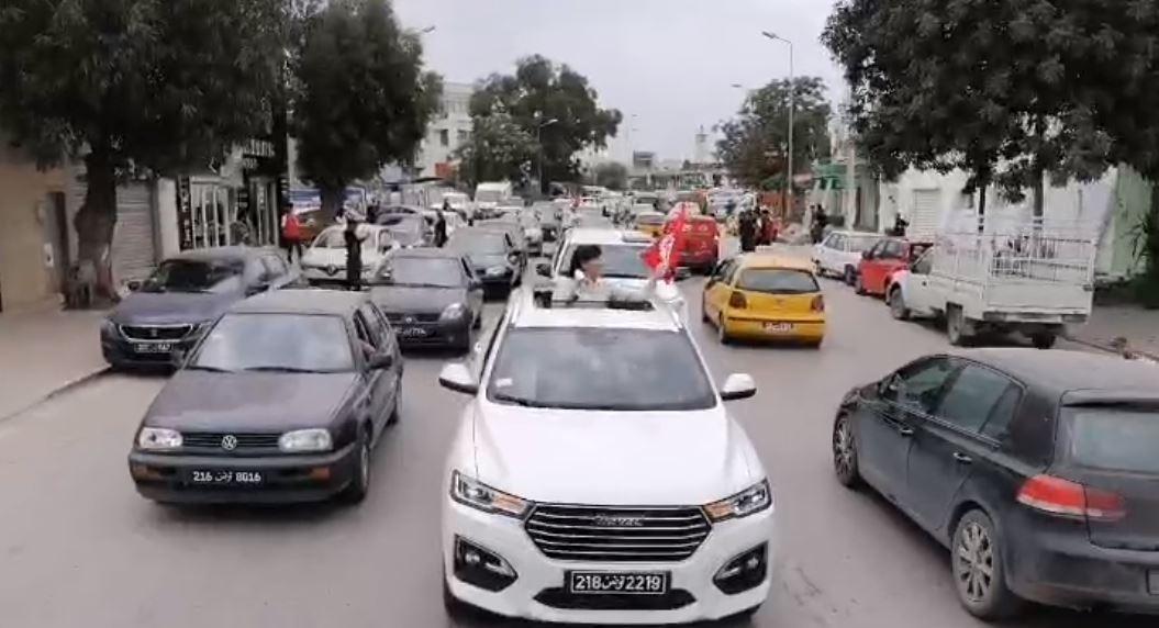 عبير موسى تقود مسيرة بالسيارات 3