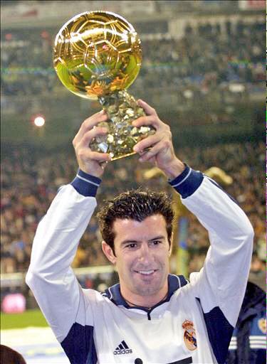 فيجو يرفع الكرة الذهبية