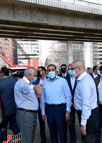 رئيس الوزراء يتفقد أعمال محور الفريق كمال عامر  (9)