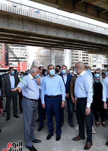 رئيس الوزراء يتفقد أعمال محور الفريق كمال عامر  (8)