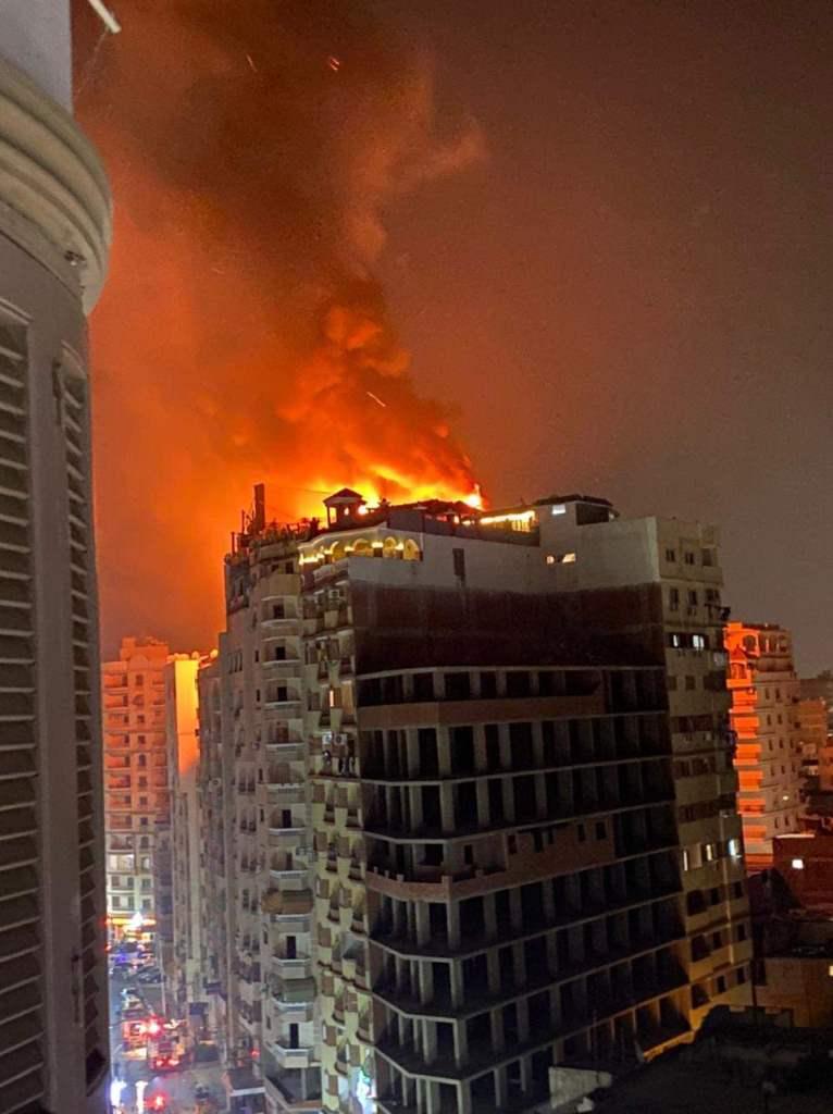 اندلاع حريق باحد فنادق مدينة طنطا فى الغربية (3)