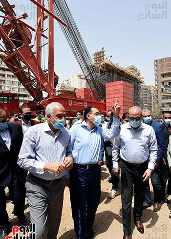 رئيس الوزراء يتفقد أعمال محور الفريق كمال عامر  (4)