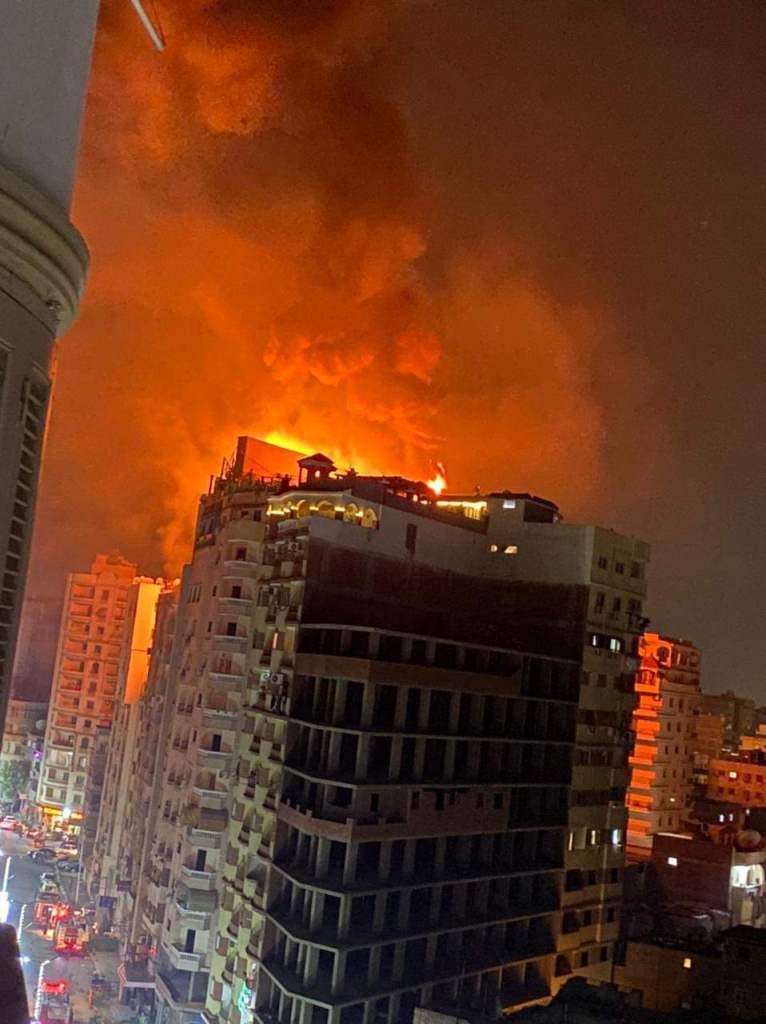 اندلاع حريق باحد فنادق مدينة طنطا فى الغربية (1)