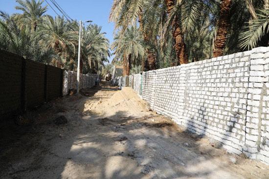 تنفيذ اكبر خطة لتطوير العشوائيات بمدينة الخارجة (12)