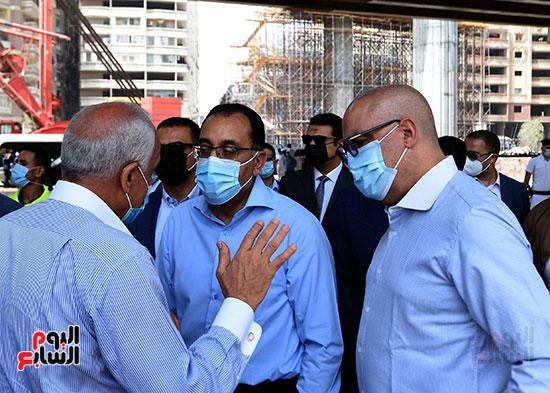 رئيس الوزراء يتفقد أعمال محور الفريق كمال عامر  (11)