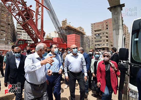 رئيس الوزراء يتفقد أعمال محور الفريق كمال عامر  (5)