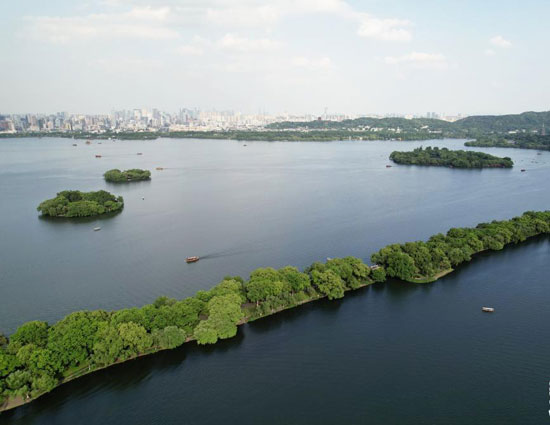 البحيرة الغربية بالصين (1)