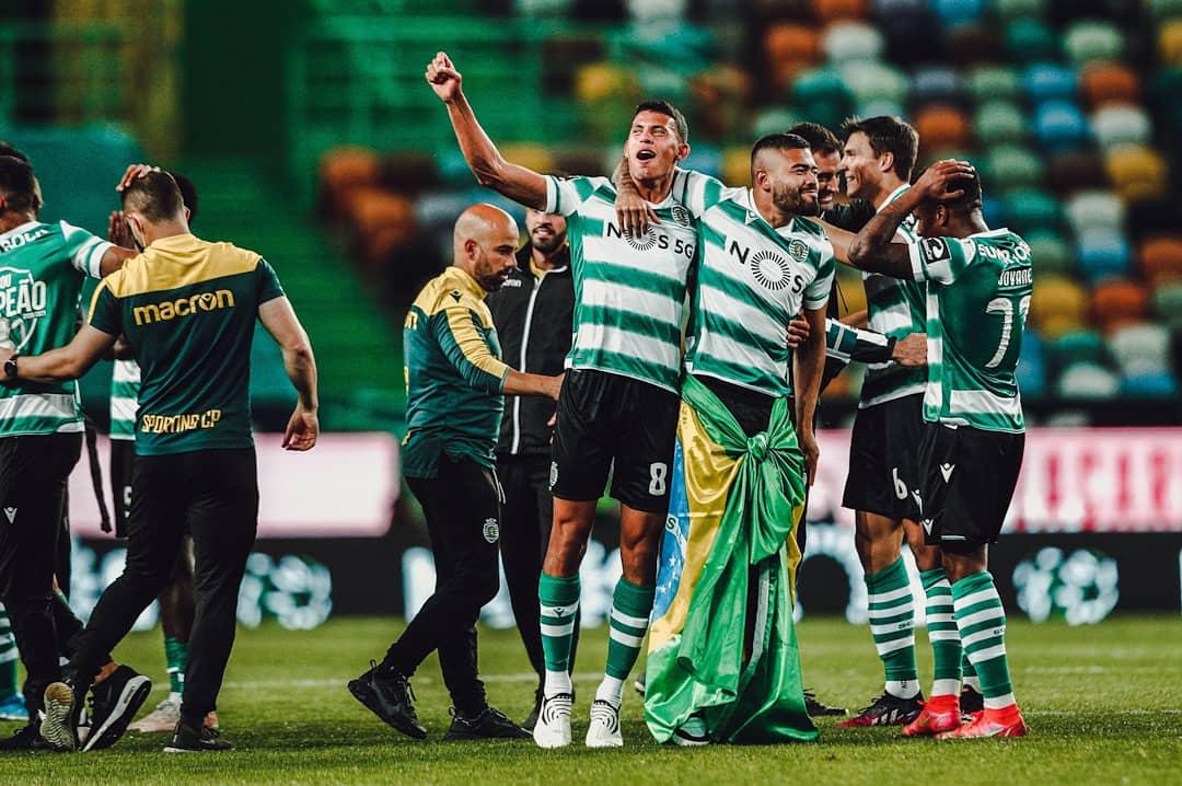 احتفالات لاعبى سبورتنج لشبونة بلقب الدوري البرتغالى (2)