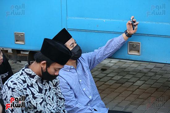 سيلفى آسيوى للأجانب فى صلاة العيد