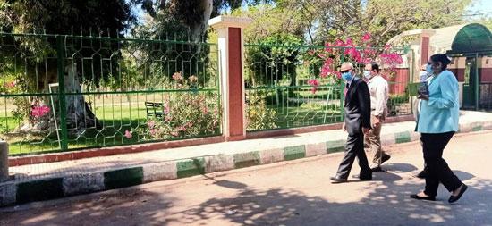 محافظ-القليوبية-يتابع-غلق-حدائق-القناطر-الخيرية-وكورنيش-النيل-ببنها-(7)