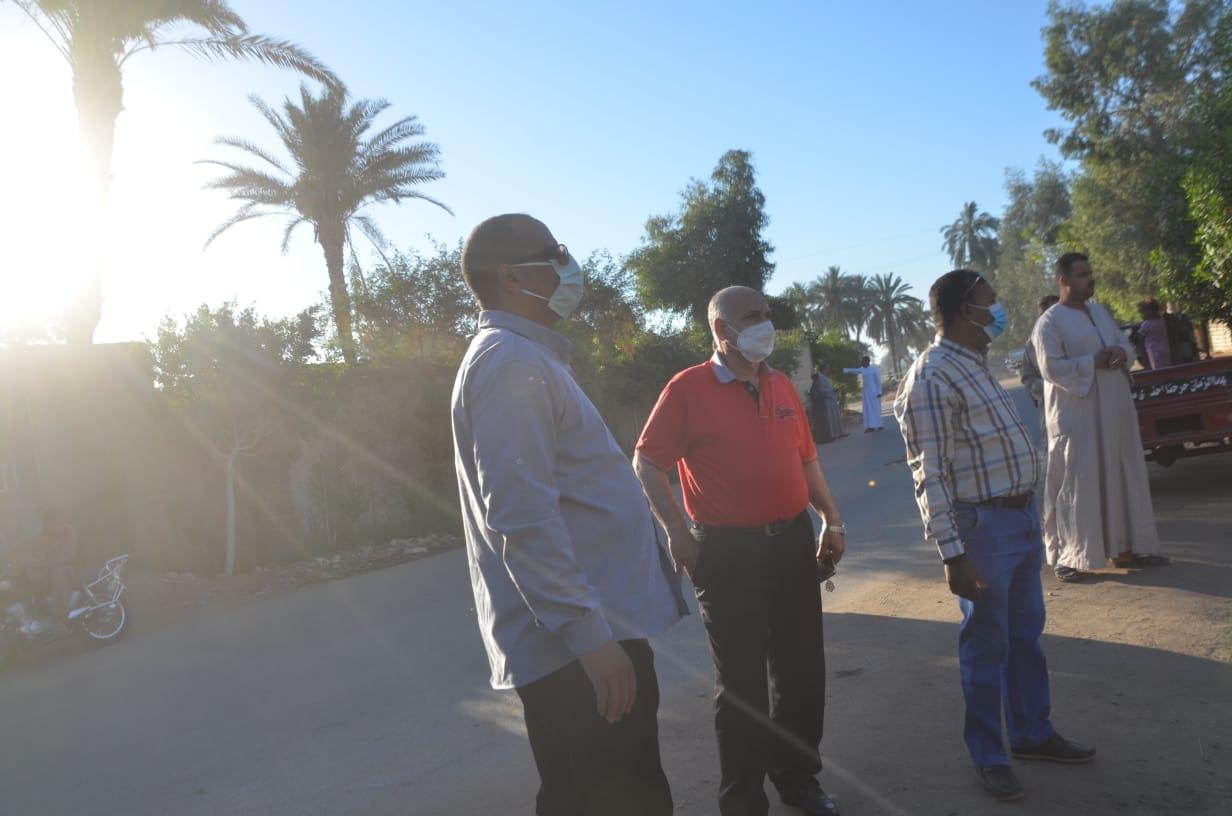 منع عدد من المواطنين من زيارة المقابر