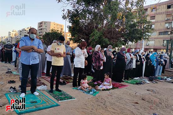 احتفالات عيد الفطر المبارك من أمام مسجد أبو بكر الصديق بمساكن شيراتون